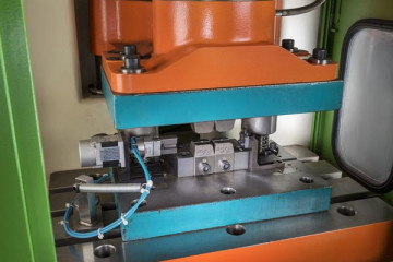 Hydraulic and Pneumatic Crimping